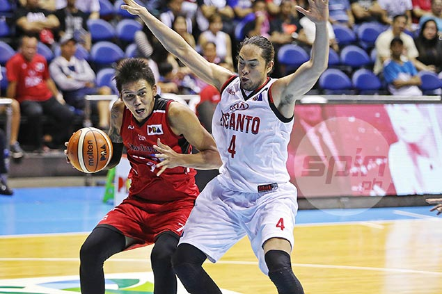 KIA big man Jay-R Reyes sits out clash vs former team SMB with ankle injury