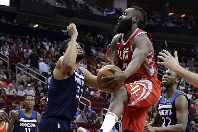Rockets stretch streak to 11, maintain NBA's best record as Wolves lose Butler to injury