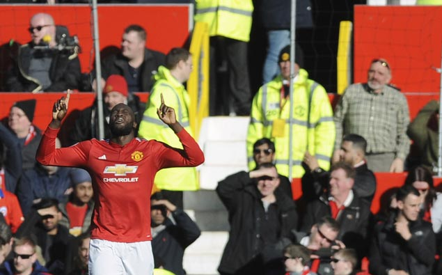 Romelu Lukaku a thorn in side of former club as Man United downs Chelsea