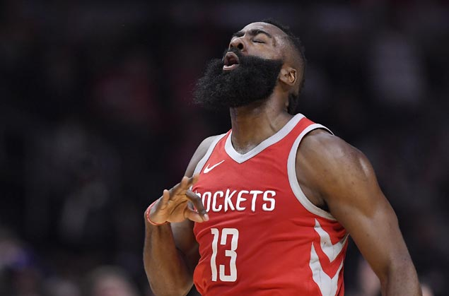 Rockets roll past Clippers to stretch streak to 14 and maintain lead over Warriors