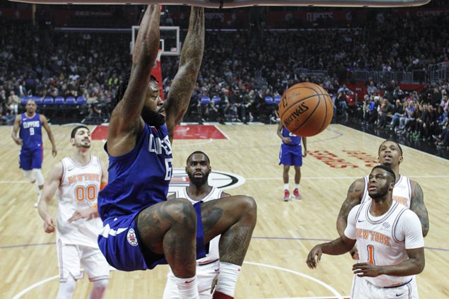 Clippers ride huge third quarter to victory over Knicks