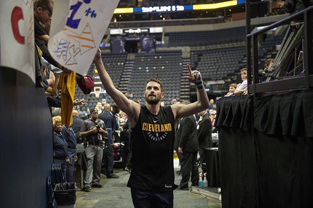 Kevin Love recovery from broken hand picks up speed, hopes to return ahead of schedule for Cavs