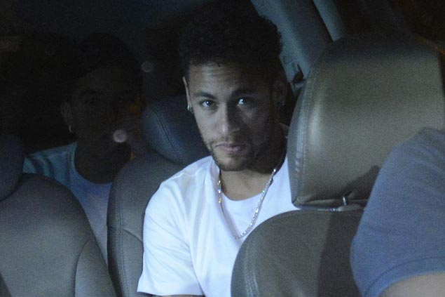Neymar has successful surgery on injured right foot, says Brazil football confederation