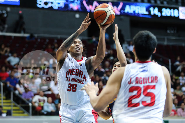Devance admits knees still hurting but ready to do whatever it takes for Ginebra