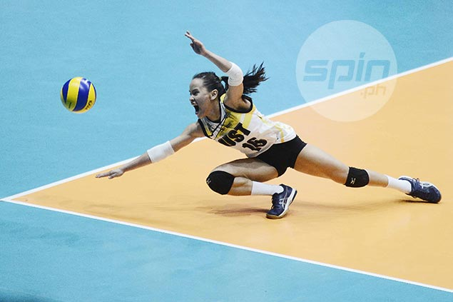Sisi Rondina holds scoring lead over Jaja Santiago after first round in UAAP women's volley