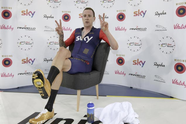 Sir Bradley Wiggins vehemently denies doping accusations: 'Someone trying to smear me'