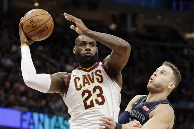 Cavs rip Pistons to close disappointing five-game homestand on a positive note