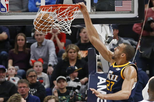 Rudy Gobert posts double-double as Jazz stretch streak to three with win over Magic