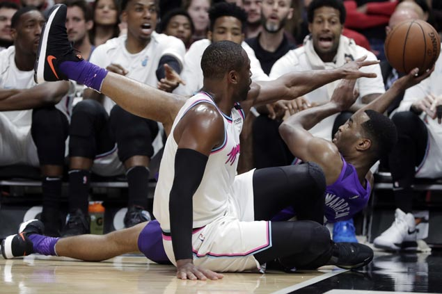 Heat move into No. 7 in Eastern Conference with rout of Suns