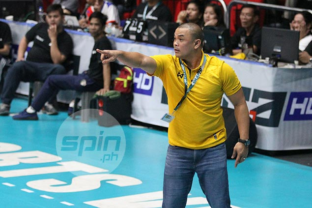 UST coach Reyes defiant despite slim chance of making Final Four: 'Pipilitin pa rin namin'