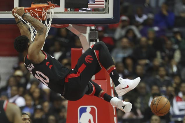 DeRozan scores 42, sets up VanVleet for game-winner as Raptors nip Pistons