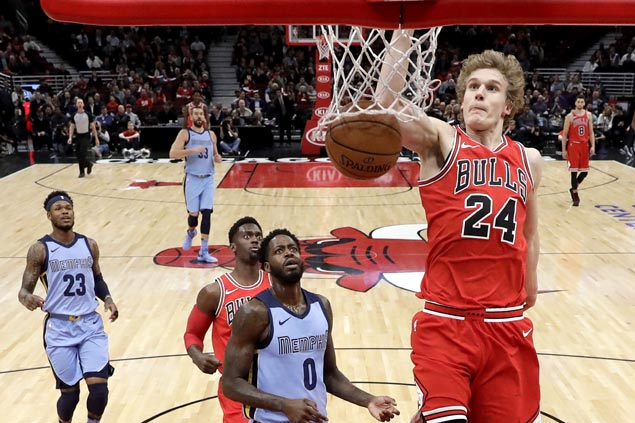 Bulls squander huge lead but recover to beat slumping Grizzlies