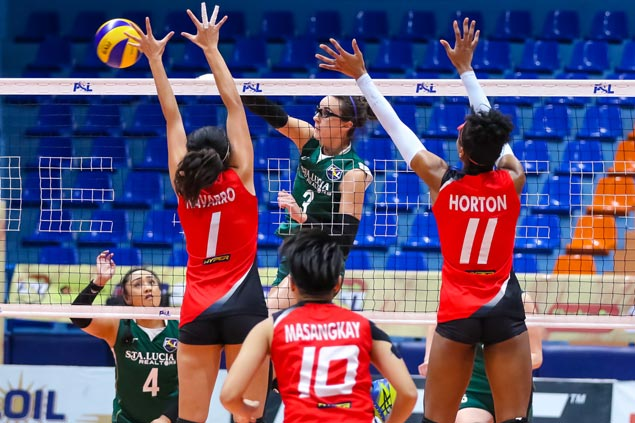 Cignal crossed as Sta. Lucia's Lady Realtors come away with Super Liga stunner