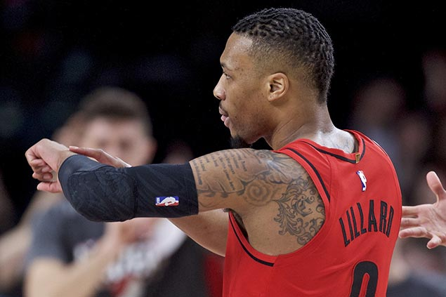 Lillard time to shine as Blazers star draws praise in leading another late-season surge