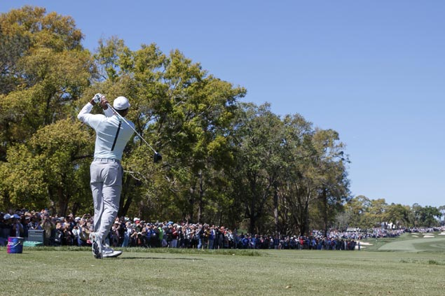 Tiger brings Valspar Championship to life with another solid round to get to within two