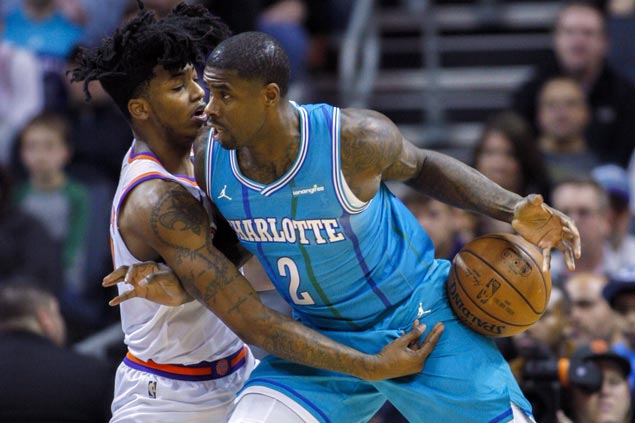 Hornets survive Suns' fourth-quarter surge to halt five-game slide