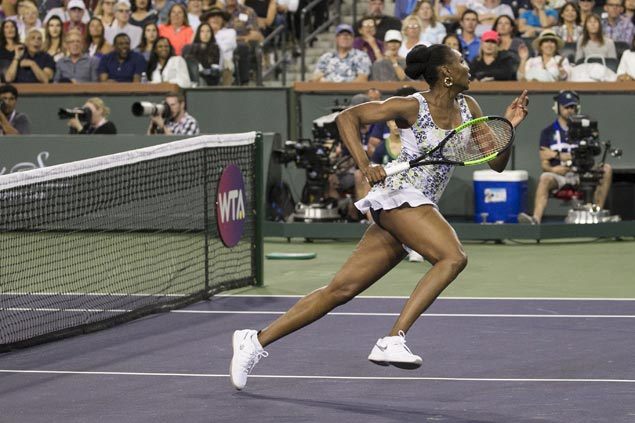 Venus beats Serena in straight sets in first Indian Wells duel