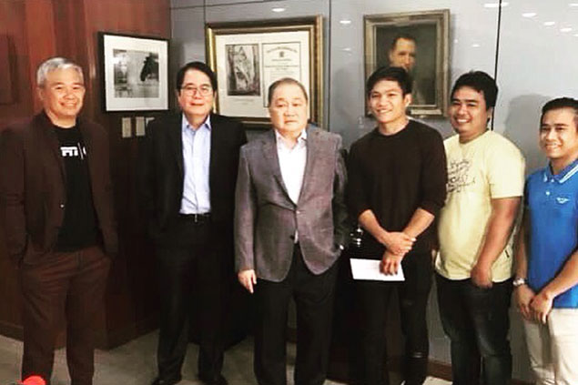 As promised, world boxing champ Jerwin Ancajas gets P1 millon reward from MVP