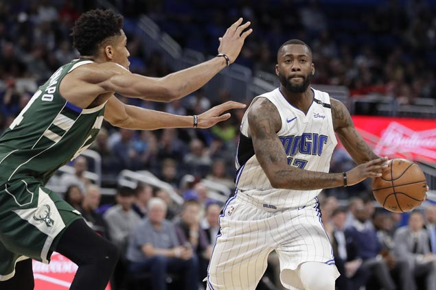 Jonathon Simmons scores career-high 35 as Magic beat Bucks