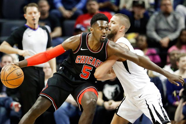 Blakeney clutch from free-throw line as Bulls hand Grizzlies 19th straight loss