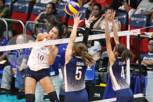Lady Eagles down Lady Bulldogs to forge three-way tie for second in UAAP women's volley