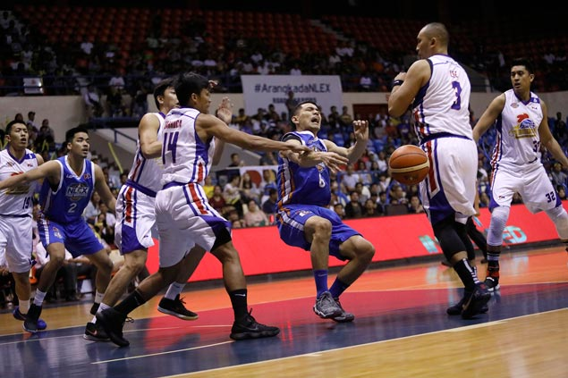 Birthday-boy Guiao still fuming over non-call on 'Lee push' that led to Alas' ACL injury