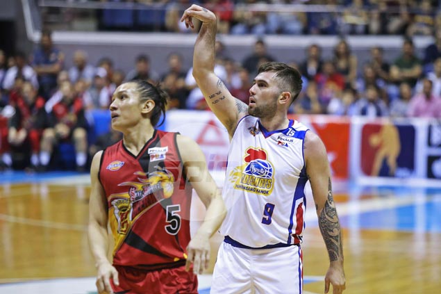 SMB zone defense exactly the opening rookie Robbie Herndon was waiting for