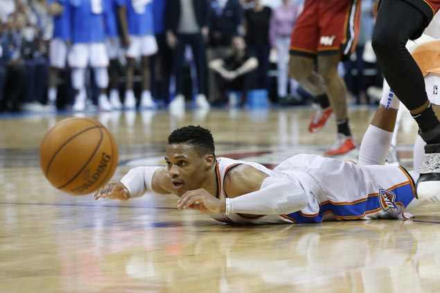 Westbrook scores 17 of Thunder's 41 fourth-quarter points in win against Heat