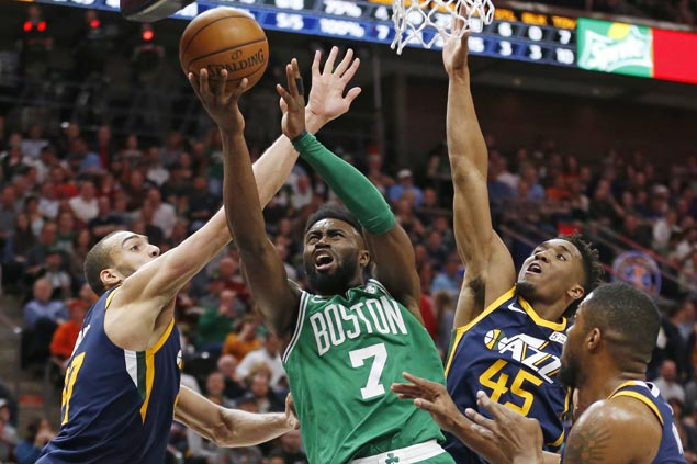 Jaylen Brown hits last-gasp triple to carry Celtics over Jazz