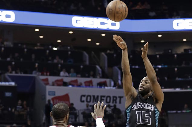 Kemba Walker gets emotional after becoming Hornets' all-time leading scorer