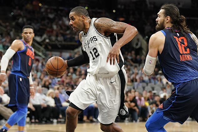 Spurs ride late surge to take down Thunder and move up to No. 4 in West playoff race