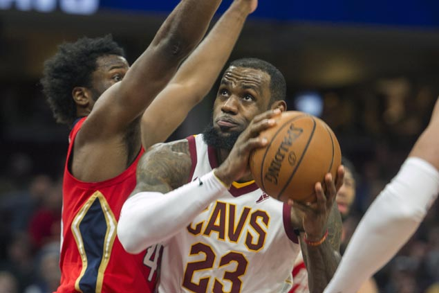 Cavaliers stay No. 3 in East as LeBron eclipses MJ record in win over Pelicans