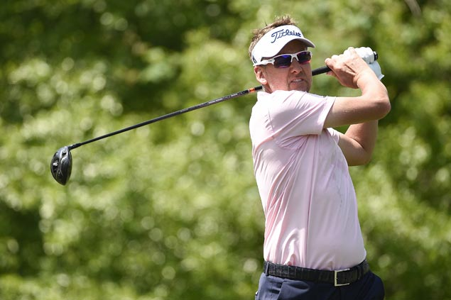 Ian Poulter keeps alive bid for Masters spot, surges into joint lead in Houston