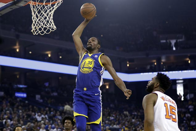 Warriors overcome sloppy start to score second straight win, send Suns to 15th consecutive loss