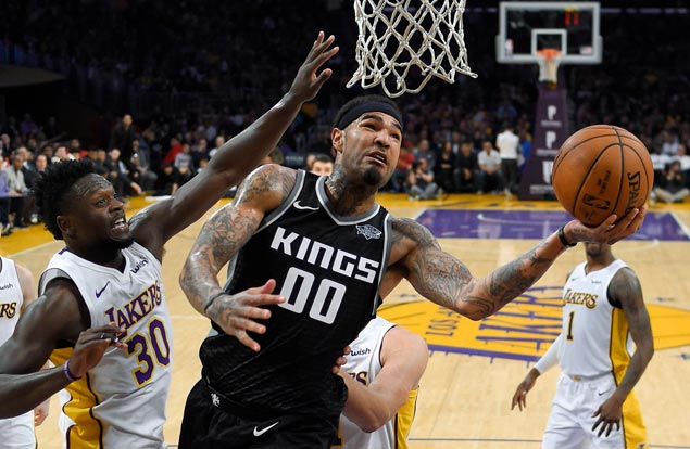 Kings arrest four-game slide with victory over Lakers