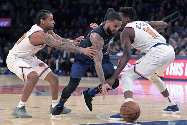 Magic snap three-game skid, send Knicks to fourth straight loss