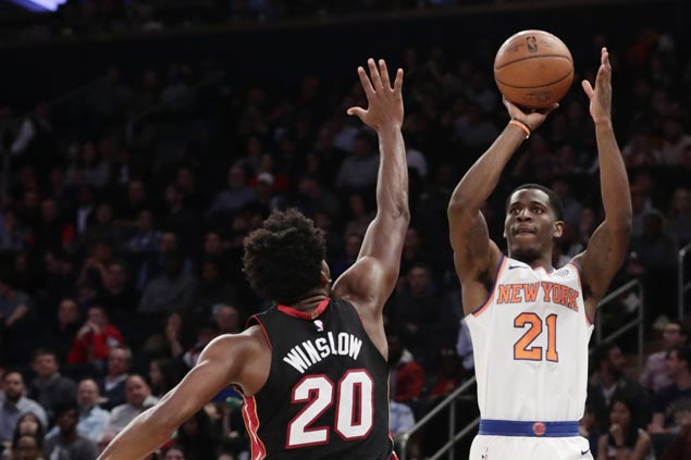 Damyean Dotson shines as Knicks beat Heat, who stay in sixth spot in East