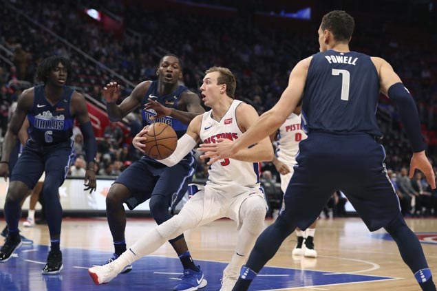 Pistons beat Mavericks in overtime in sloppy game between also-rans