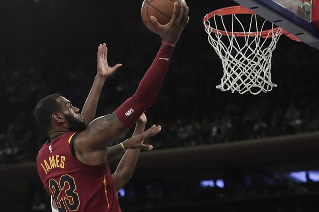 LeBron James plays in all 82 regular season games for the first time
