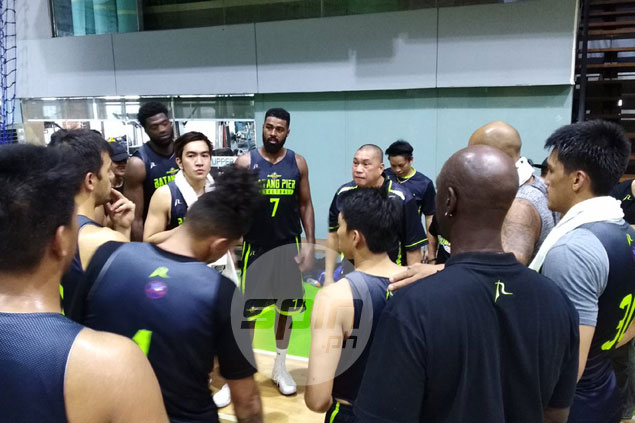 Mo Tautuaa on GlobalPort coach Jarencio: 'He's pushing me to be better, and it's working'
