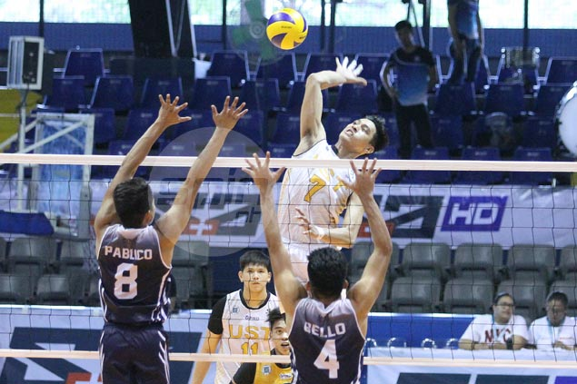 Jayvee Sumagaysay stars as Tigers down Falcons to gain share of fourth spot