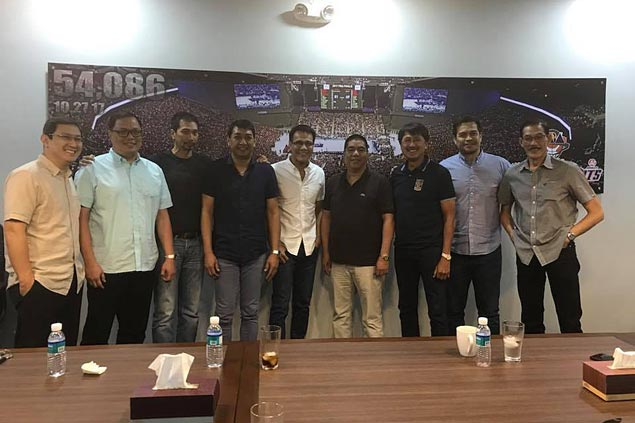 PBA legends relive rivalries in Ginebra vs Purefoods, Alaska vs SMB throwback games