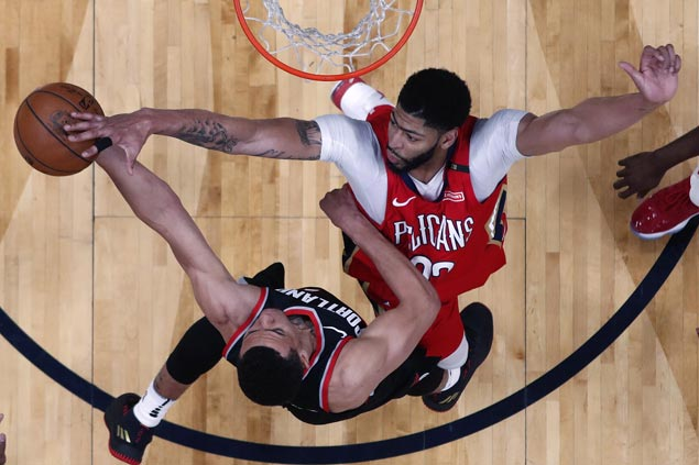 AD, Holiday combine for 88 points as Pelicans complete first-round sweep of Trail Blazers