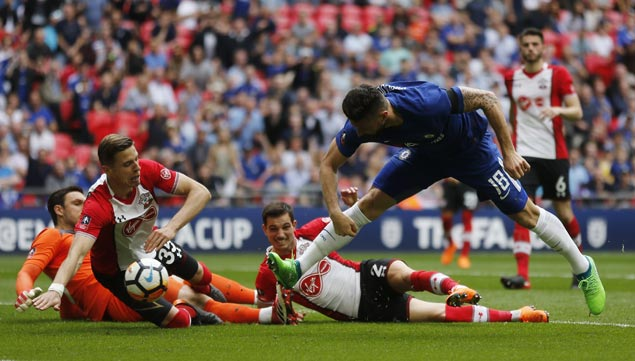 Brilliant Olivier Giroud goal sparks Chelsea past Southampton and into FA Cup final against United