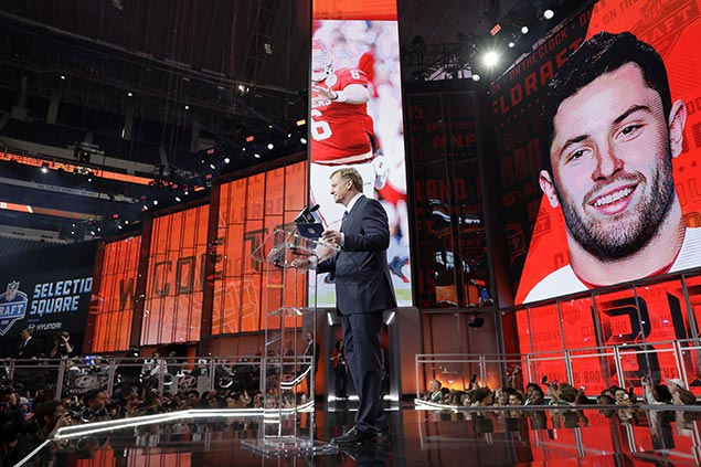 Browns take Baker Mayfield as top pick, sparks quarterback rush in top 10 of NFL Draft