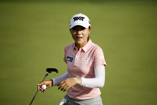 Lydia Ko, looking to end nearly two-year drought, moves one stroke clear at Lake Merced