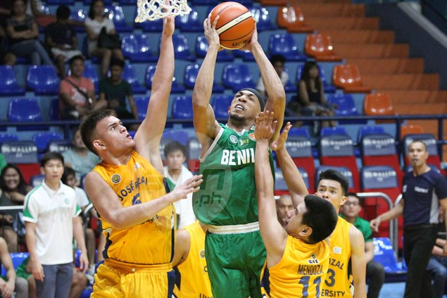 Yankie Haruna shows way as St. Benilde Blazers rip JRU Bombers