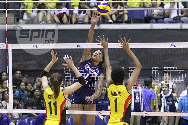 Bell leads comeback from two sets down as Petron stuns F2 Logistics in Super Liga GP Finals opener