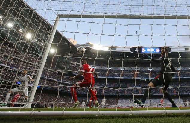 Madrid scrapes to victory on Bayern goalie blunder to gain Champions League final for third straight year