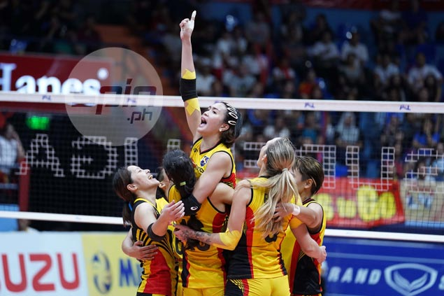 F2 Logistics back with a vengeance, rips Petron to send PSL Finals to deciding Game 3